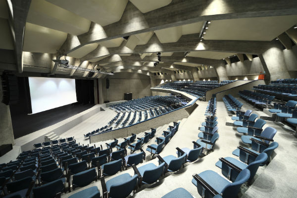 Seas auditorium surround